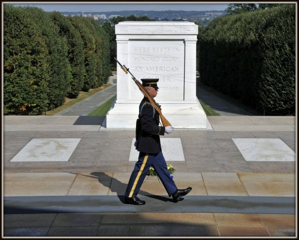 essay on tomb of unknown soldier Alumnus speaks of the tomb of the unknown on a written essay monuments such as the tomb of the unknown soldier through people like korean war.